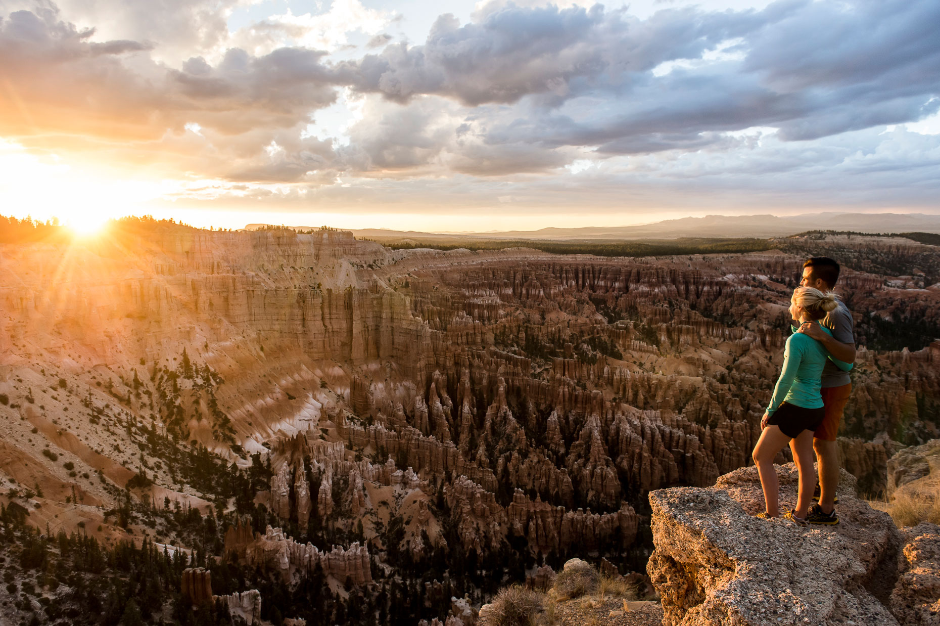 Active Lifestyle Photography - A couple at Bryce Canyon